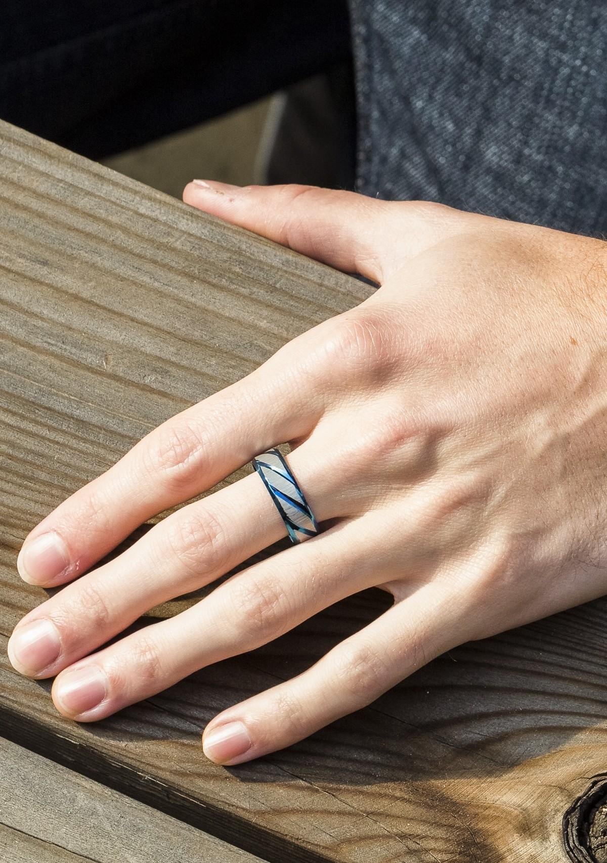 Diagonal Engraved Ring