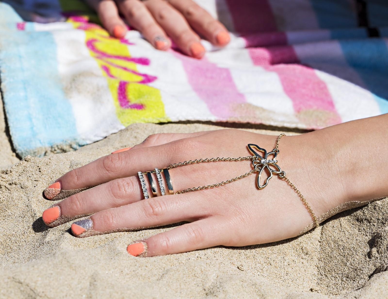 Butterfly Handchain