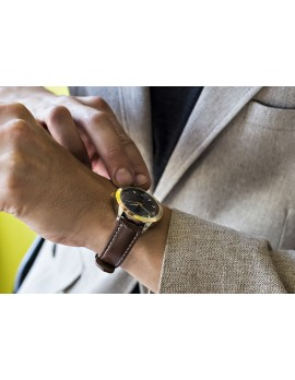 Metal Frame Four Numeral Watch